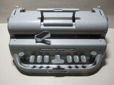 Perkins Brailler United States - Braille typewriter - mechanical