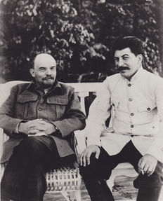 Unknown - Lenin and Stalin - Gorki - 1922