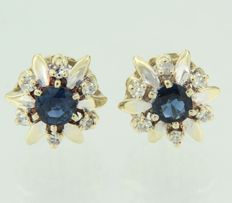 18 kt Bi-colour gold ear studs set with sapphire and octagonal shaped diamonds.
