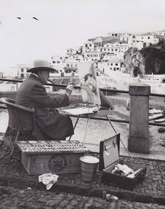 Raul Perestrelo / Associated Press - Winston Churchill painting in Madeira - Portugal - 1950