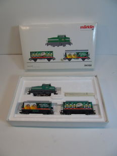 Märklin H0 - 94100 - Freight train DAB Diesel locomotive DHG-500 with 2 closed wagons