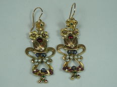 12 kt gold earrings with micro-pearls, rubies, emeralds and natural sapphires.