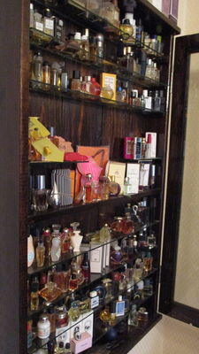 Perfume miniatures collection ca 30 years old, 250 vials