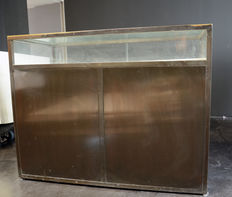 Claus Bonderup and Thorsten Thorup for Georg Jensen - House display cabinet in bronze (lot 1).