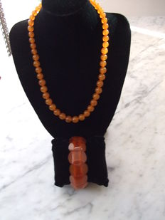 Baltic/Russian amber necklace and bracelet, vintage, from the 1970s/80s