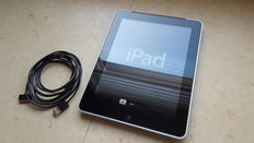 Apple iPad 1, 64GB with 3G! + with chargercable and silicon protection cover