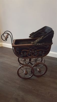 Decorative doll's pram
