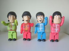 "Beatles ""Sgt. Pepper's Lonely Hearts Club Band"" figure set"