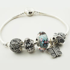 Pandora, Moments Silver bracelet with 5 assorted charms (ALE)