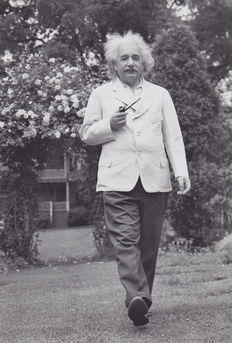Unknown / Associated Press - Prof. Albert Einstein - Princeton - 1938