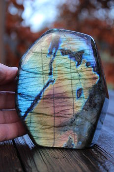 Polished piece of Labradorite - 12.5 x 9.5 x 4.5 cm - 1290gm