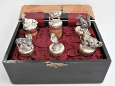 6 pieces of silver-plated bottle stoppers with animals in box - ca. 1920