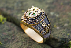 US - SPECIAL FORCES green beret - gold platet military ring - 20th century