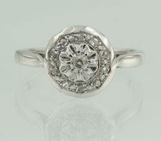 18 kt white gold entourage ring set with Bolshevik and rose cut diamonds in the centre