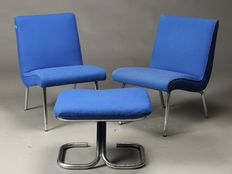 "Walter Knoll Classic Edition – set of two armchairs with footstool, model ""Vostra 607"""