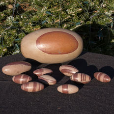 Fine collection of Shiva Lingam - 5 to 19cm - 3,87kg  (10)