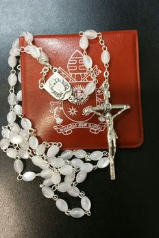 Exclusive rosary of Pope Francis, received as a gift in a latest private audience - 2016