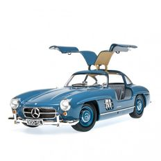 Minichamps - Scale: 1/18 - Mercedes-Benz 300 SL 1954 colour blue