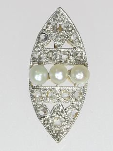 Marquise shaped Art Deco bicolour gold pendant with diamonds and pearls. No reserve price