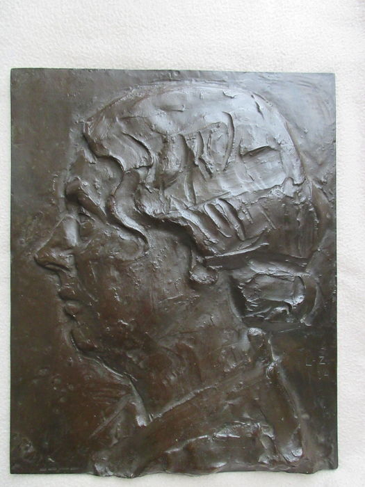 Lambertus Zijl - large bronze wall plaque of Princess Juliana in 1934, cast by bronze foundry with De Plastiek, Bloemendaal