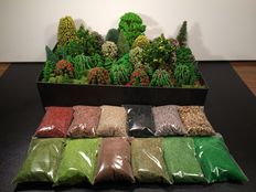 Noch/Busch H0 - Scenery trees 80 pieces, 100 grams of Iceland moss and 12 bags litter