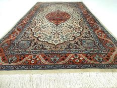 """Kashmir – 168 x 96 cm – """"Oriental carpet in beautiful condition"""" – Please note! No reserve price: starts at €1"""