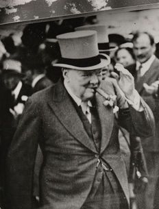 P. Bertrand and Robert Cohen / AGIP - Winston Churchill - 1920/1924