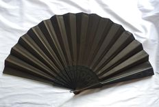 Big size pericón Spanish folding fan - Wooden and silk, Spain, late 19th century
