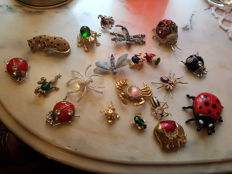 Pendants, Pins, Ring and Boxes