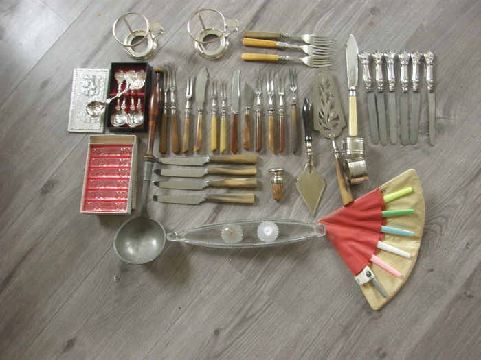 Collection Of Ca 50 Pieces Of Kitchen Utensils Catawiki
