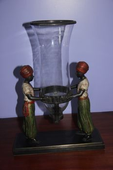 Bronze masterpiece-two women who hold vase