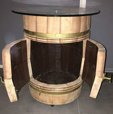 Beautiful old side table as a barrel. Completely restored, ca. 1930