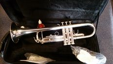 As new... Trumpet Takuma TR-8330-S1, silver-plated with solid case, Bb