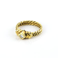 Yellow gold ring, with brilliant cut diamonds - Ring size: 16