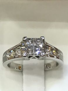 18 kt white gold and diamond ring