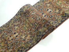 "Kashmir – 270 x 66 cm – ""Oriental runner in liver colour – Beautiful condition"""