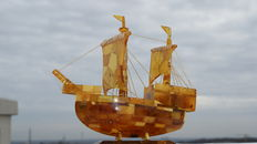 Large sailing ship with natural Baltic amber.  193 grams