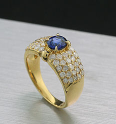 Sapphire brilliant ring, total of 1.69 ct, 750 yellow gold, 1 very fine sapphire with approx. 0.79 ct --No reserve price--