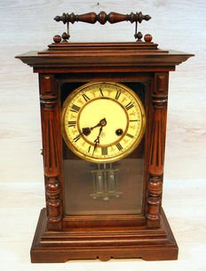 Junghans walnut table clock - Early 20th century