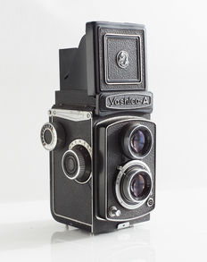Yashica A 6 x 6 in black leather version: 1959