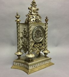 Special table clock with oriental details – period 1935