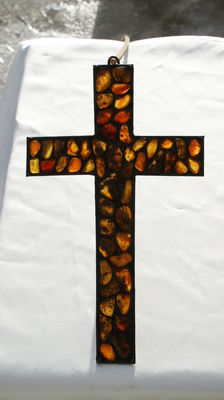 Cross with natural Baltic amber, 135 gram, amber mosses