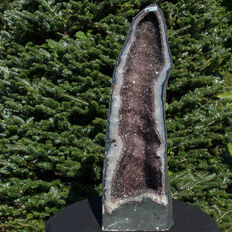 Smoky quartz - Amethyst geode with calcite crystals - 78 x 26 x 24 cm - 39 kg