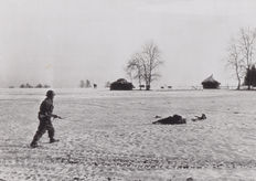 Robert Capa (1913-1954) / Associated Press - Battle of Bulge - Belgium - 1945