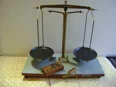 "Pharmacists scale ""Becker's Sons"" with weights - Netherlands - anno 1953"