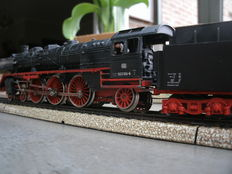 Märklin H0 - 3085 - Steam locomotive with tender BR 003 by the DB