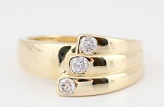 14kt diamond ring total approx. 0.26ct; ring size 56,5