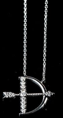 18 kt white gold neckless of 'Cupid's arrow' love pendant with 0.23 ct round brilliant diamonds , F colour and VS clarity with 16 inches long chain