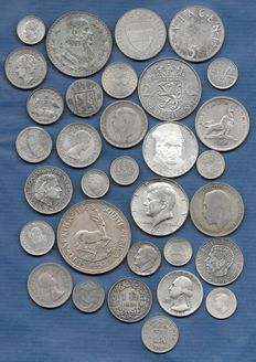 World, lot with various coins, 1972-2003 (32 different items), silver