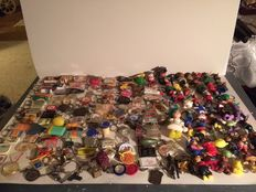 381 old keychains. containers, fairy-tale characters, disney etc.